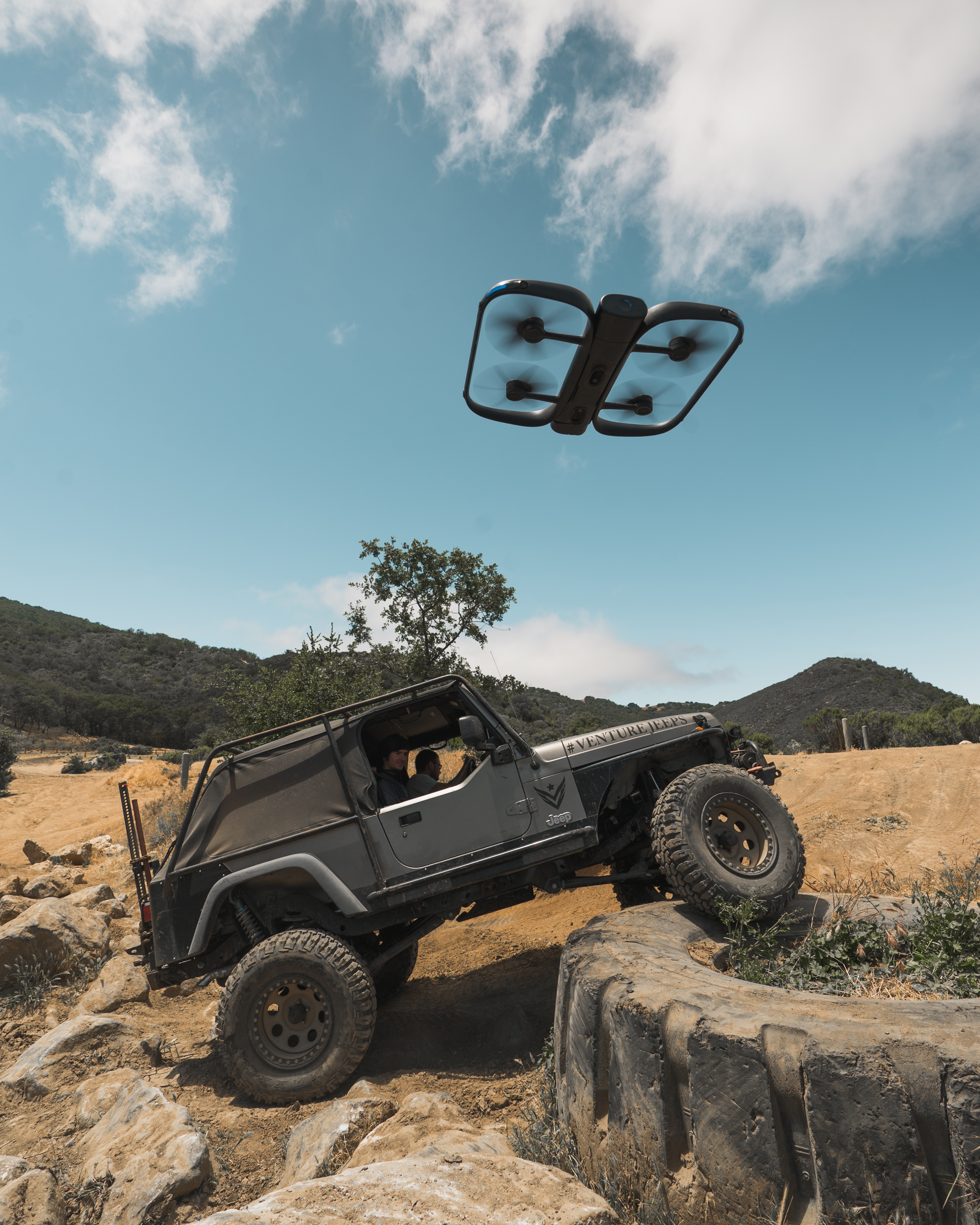 The insanely smart Skydio R1 just got smarter: now it can track cars, too